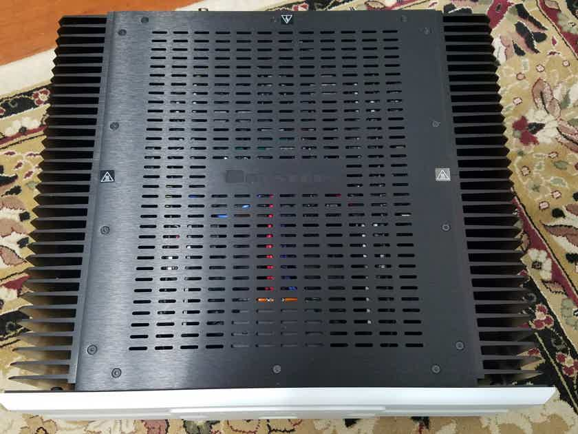 Bryston 7B3 600W with Transferable 18+ years of warranty