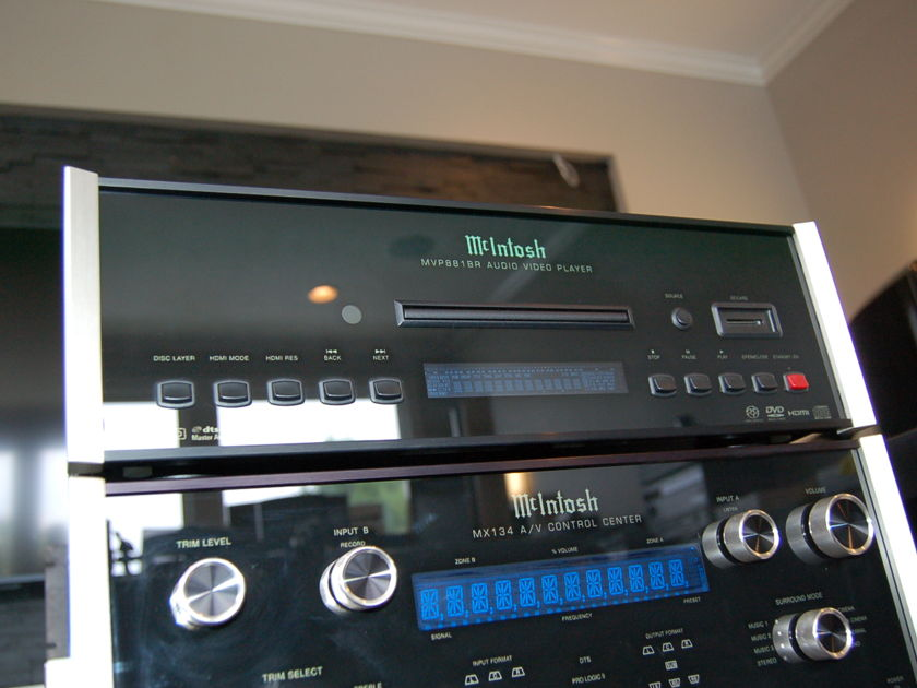 McIntosh  MVP881BR MVP 881 BR SACD BluRay Audio Video Player
