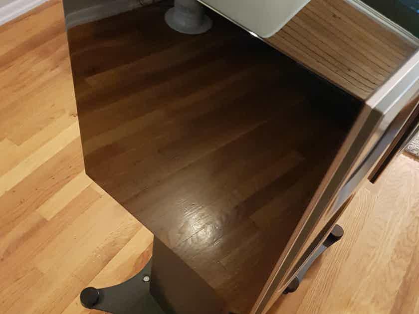 KEF Reference 1 Ultimate Bookshelf Speaker + Original Stand // Price Reduced