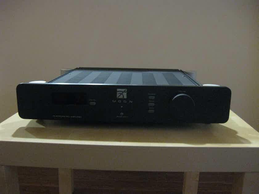 Simaudio Moon i-5 integrated amplifier