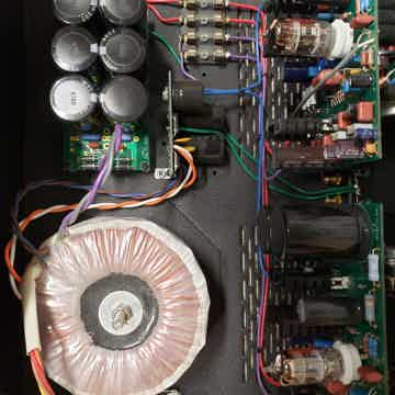 Audio by Van Alstine FET Valve 400R Hybrid Amplifier