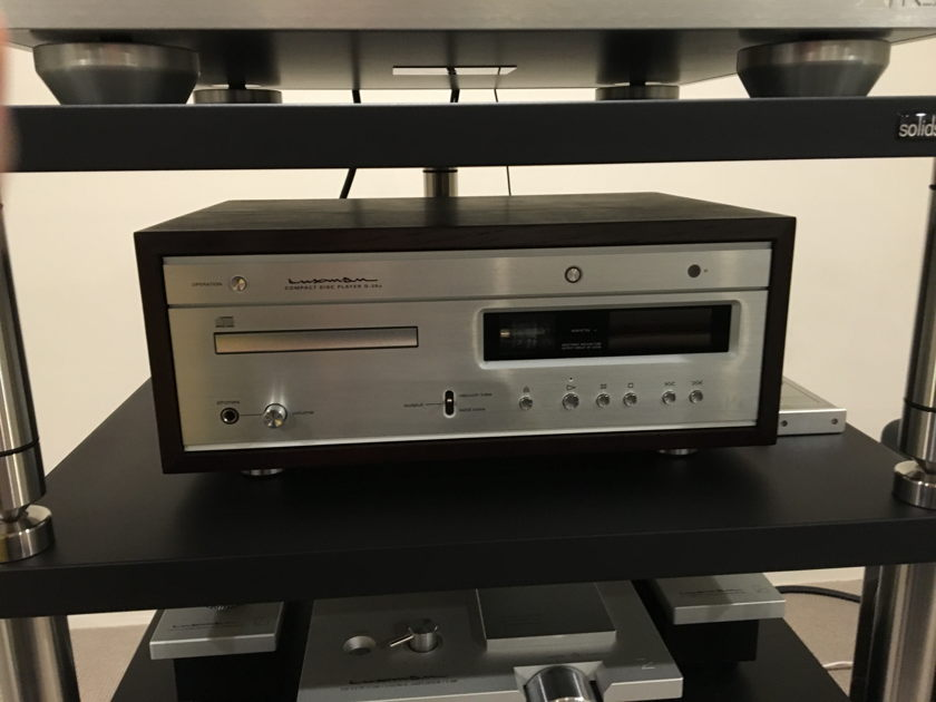 Luxman D-38u Tube CD Player