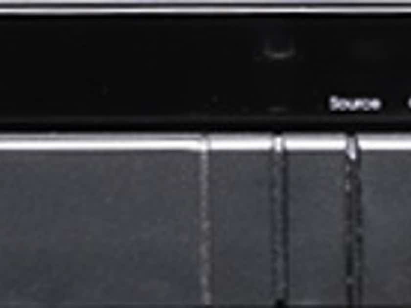 Meridian 562 Digital Controller