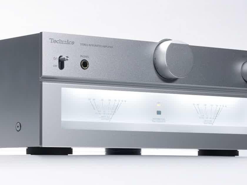 Technics SU-C700 Stereo Integrated Amplifier; SUC700; MM Phono; Silver (New) (20870)