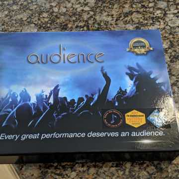 Audience AU24-SX 1m RCA