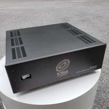Torus Power RM20 Power Conditioner in Black