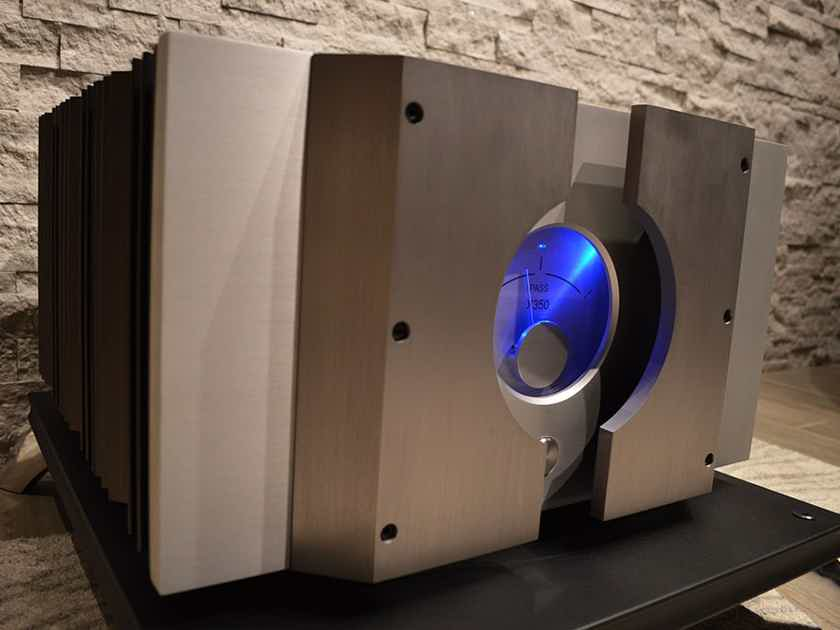 Pass Labs X350 Power Amplifier - The Last Amplifier You May Ever Buy.