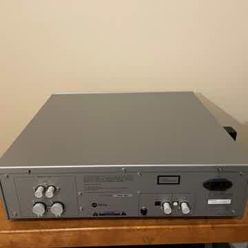 Luxman D-03x DAC/CD Player