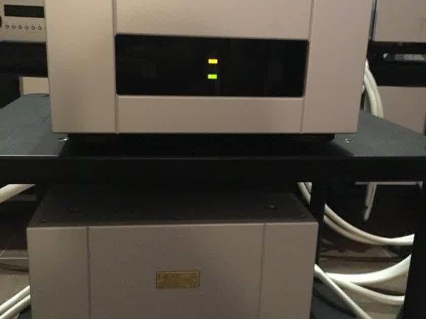 Goldmund Telos 600 + Mimesis 30 universal voltage - reduced
