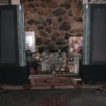 Apogee Acoustics Studio Grand