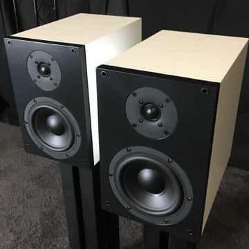 Studio Electric M4 Monitors White / Near Mint