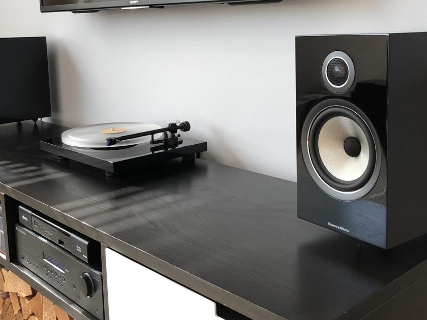Bowers and Wilkins 706 S2 Gloss Black Bookshelf Speakers (pair) - Nearly Brand New