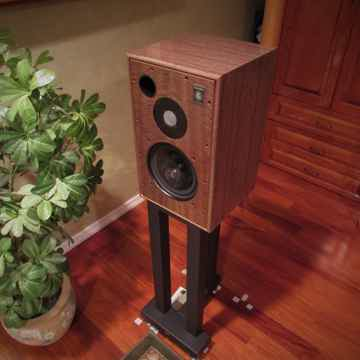 Harbeth 40th Anniversary Monitor 30.2 Speakers