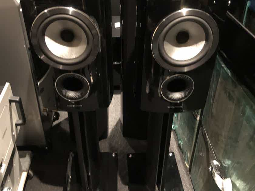 B&W (Bowers & Wilkins) 805d3 with stands LOCAL PICKUP only!!