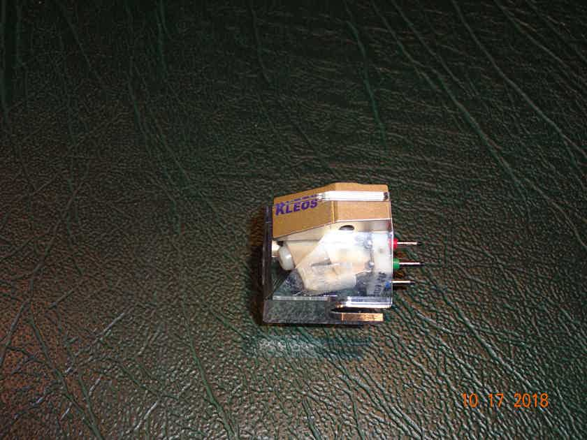Lyra Kleos Almost new Lyra Kleos moving coil cartridge price reduced