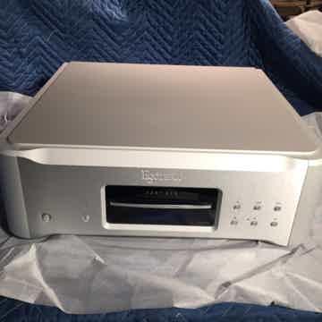 Teac Esoteric K-03xs CD/SACD player and DAC