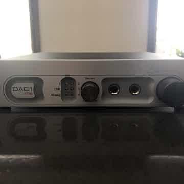 Benchmark DAC1-pre