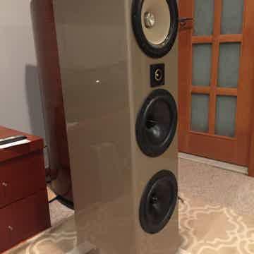Bache Audio Triangle-001