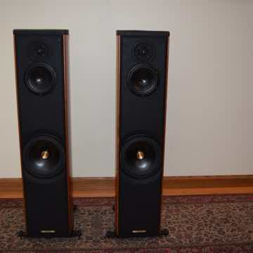 Sonus Faber Liuto Chestnut Cherry 3-Way Floorstander