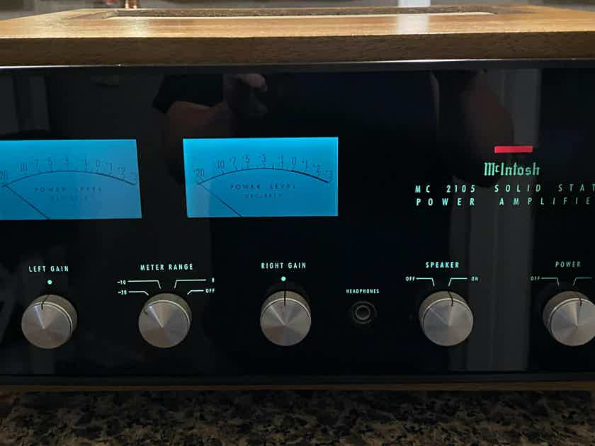 McIntosh MC-2105 Solid State Amplifier w/original wood cabinet