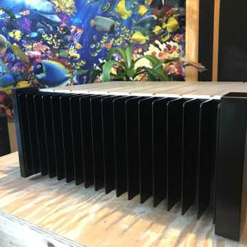 Classe Audio CAV-500 500W Five Channel Reference Amplifier In Mint!