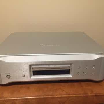 K-05X cd/SACD player and DAC