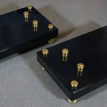 Mapleshade Audio Custom Maple Amp Stands Brass Footers ...