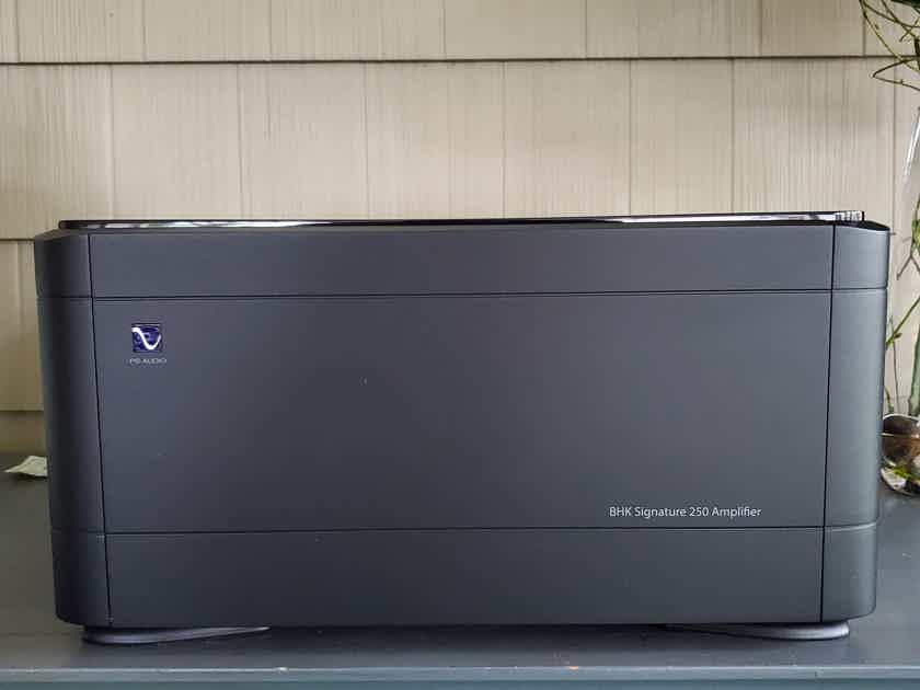 PS Audio BHK Signature 250 Amplifier