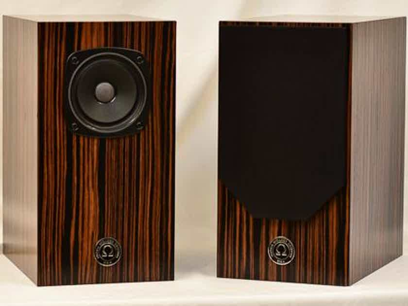 Omega Speaker Systems 3i Ebony Speakers - Perfect