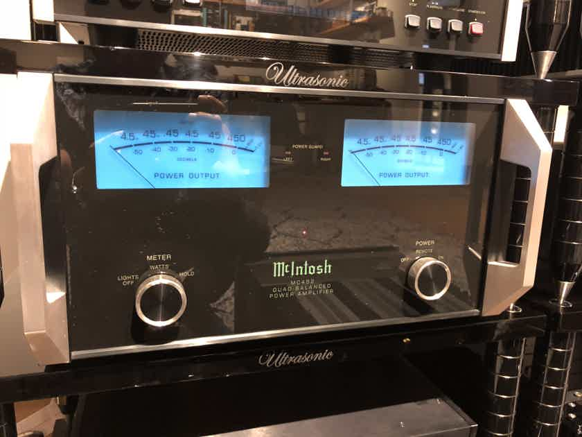 McIntosh Mc452 Stereo Amplifier, 1 owner trade in from  Sound world audio Houston Tx