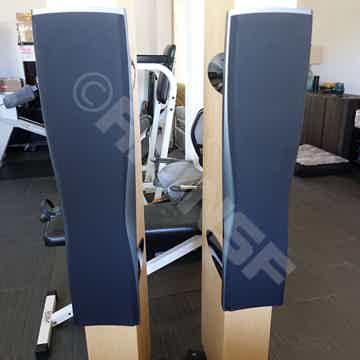 Dynaudio Confidence C4 Maple w/ Original wood Crates!