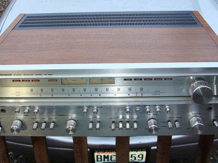 ... Vintage Pioneer SX-950 Siver Face Receiver, very nice, really sounds  good.