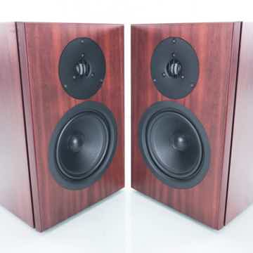 Tukan Bookshelf Speakers