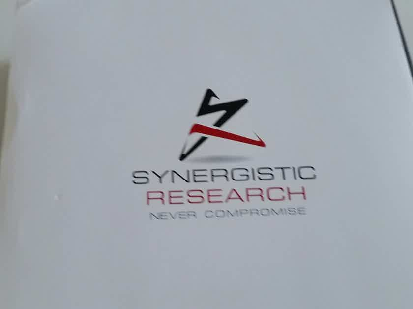Synergistic Research Element Tungsten Speaker cables... -8ft spade/bananas cables!!