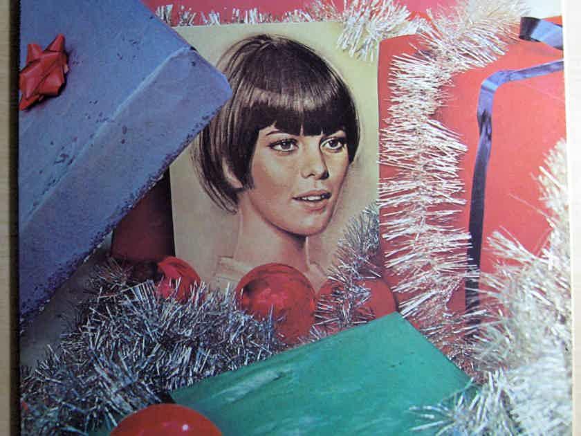 Mireille Mathieu - Mireille Mathieu's Christmas  - Capitol Records ST-490