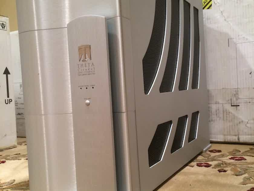 Theta Digital Citadel 1.5 Mono Blocks Amplifiers Great Condition.. Priced to sell !!