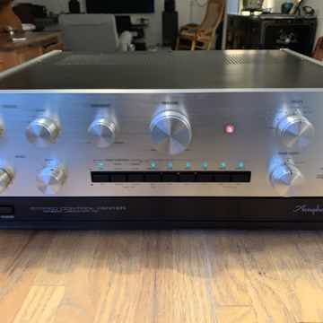 Accuphase C-200