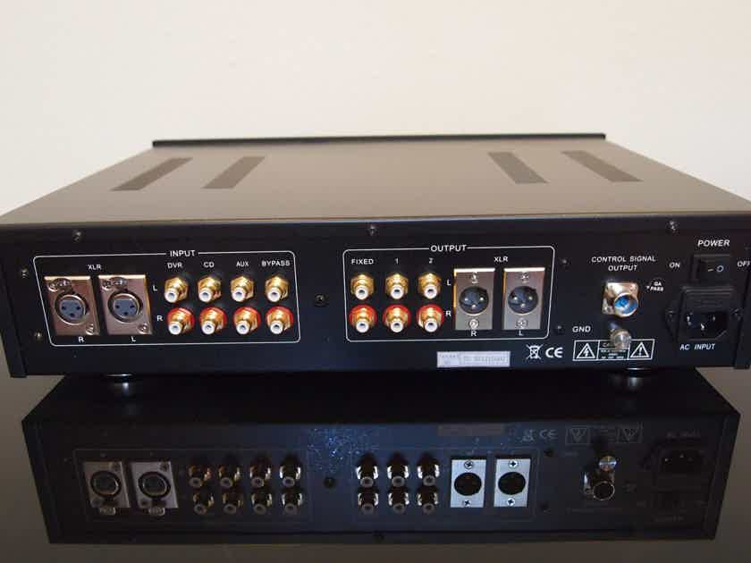 Jolida Fusion Preamplifier Tubes W/ Remote Like NEW