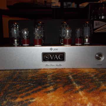 Phi 200 amplifier