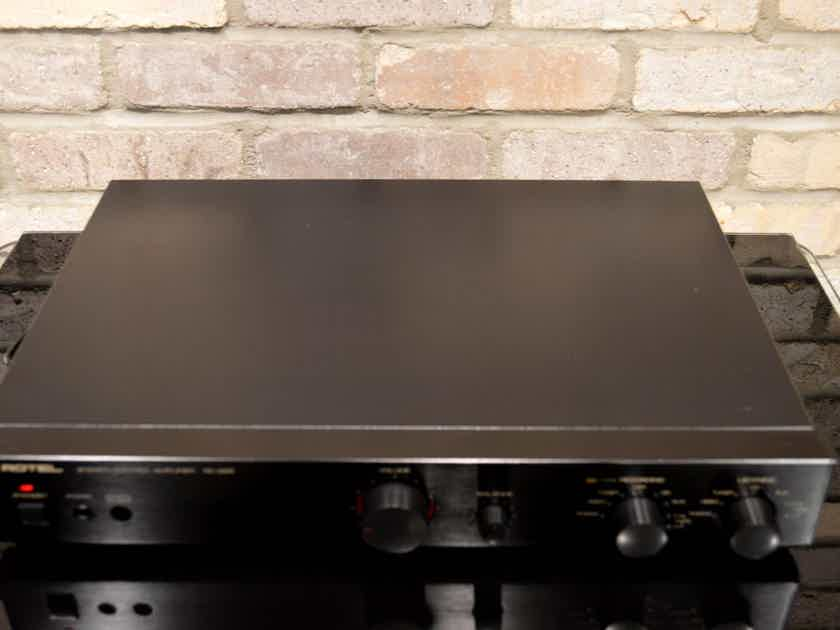 Rotel RC-995 Pre-amplifier with MM/MC Phono Input