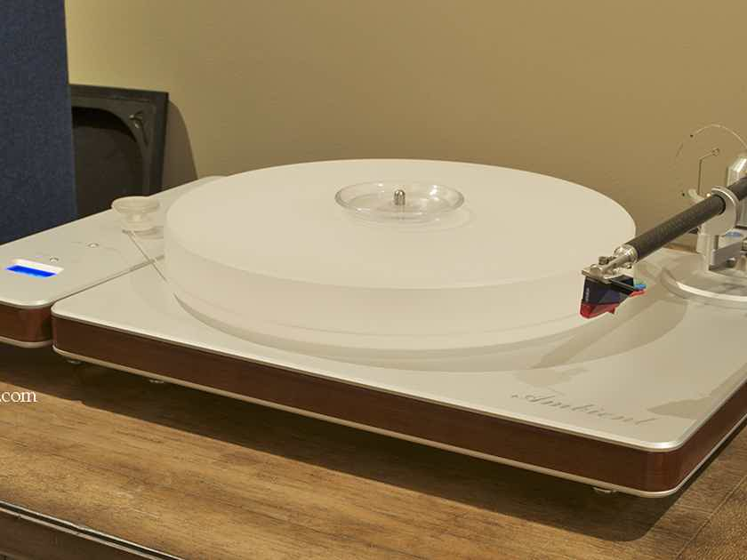 Clearaudio Ambient Turntable with Unify Tonearm
