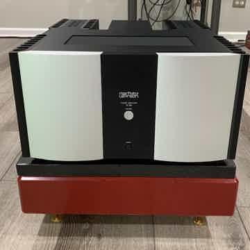 Mark Levinson No.532 Amplifier in great condition.