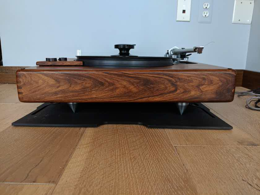 SOTA Star Sapphire Series III w/SME IV & Koetsu Rosewood Standard