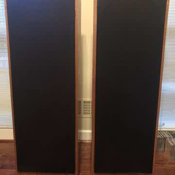 XR-1052 loudspeakers