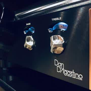 Dan D'Agostino Momentum Pre-Amplifier - Black