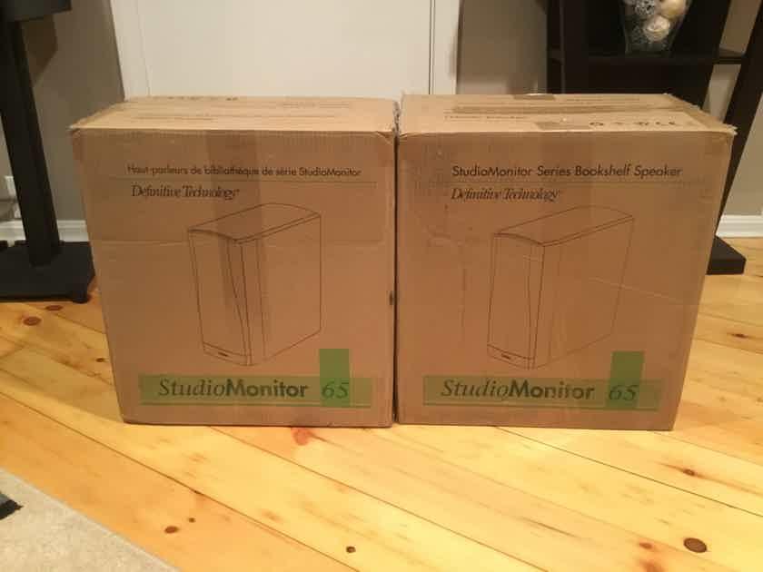 Definitive Technology Studio Monitor 65
