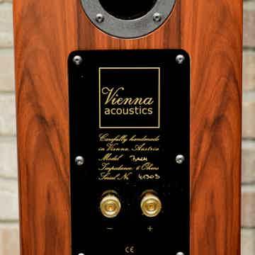 Vienna Acoustics Bach