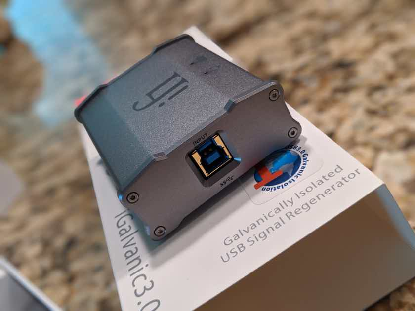 iFi iGalvanic 3.0 - USB Galvanic Isolator - LIKE NEW