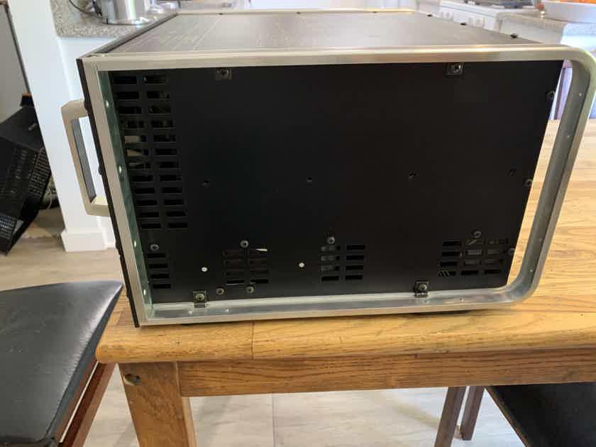 McIntosh MC-2500 (PRISTINE)!