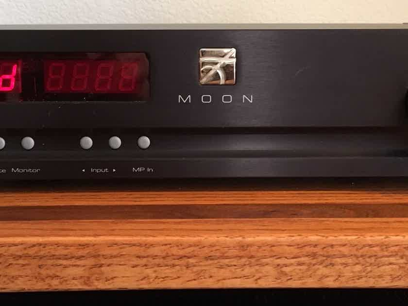 Simaudio Moon 350P DP preamplifier with (non-functioning DAC) and MC/MM phono stage